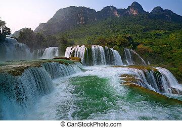 Ban Gioc Waterfall (Cao Bang, Viet Nam)