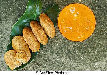 Banana cake - soft orange.