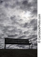 banc, à, sombre, morose, nuages