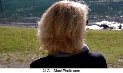 banc, femme aînée, séance