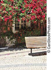 banco de madera, ventana, pegajoso, flores, típico