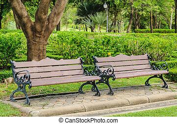 bancos, en el parque