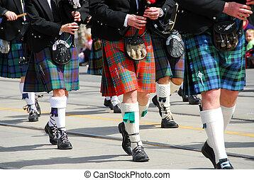 bande, écossais, marcher