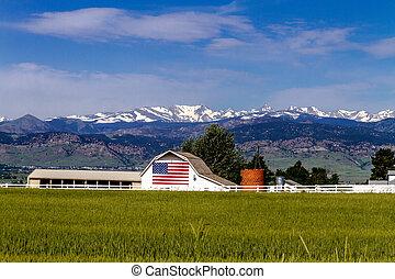 bandeira americana, celeiro, em, pedregulho, co