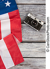 bandeira americana, e, câmera vintage, topo, vista.
