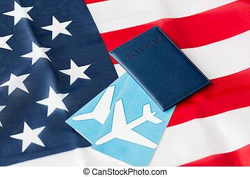 bandeira americana, passaporte, e, ar, bilhetes