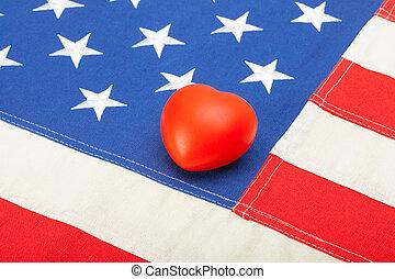 bandeira eua, com, brinquedo, coração, sobre, aquilo, -, tiro estúdio