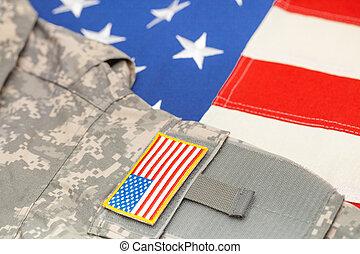 bandeira eua, com, exército, uniforme, sobre, aquilo, -, tiro estúdio