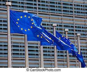 bandeiras européias, frente, a, comissão europea, predios, em, b