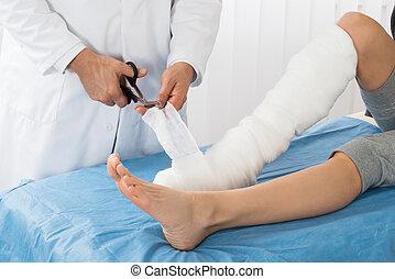 bander, docteur, patient, jambe