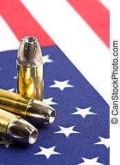 bandera estadounidense, balas, encima