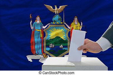bandera, york, papeleta, nuevo, durante, elecciones, hombre...