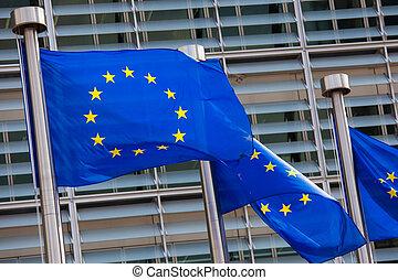 banderas europeas, delante de, el, comisión europea, edificio, en, b