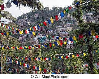 bandery, dharamsala, pagórek, modlitwa