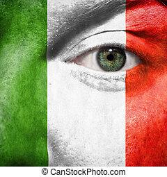 bandiera, dipinto, su, faccia, con, occhio verde, mostrare, italia, sostegno, in, sport, fiammiferi