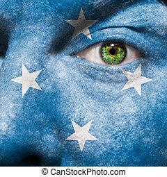 bandiera, dipinto, su, faccia, con, occhio verde, mostrare, micronesia, sostegno