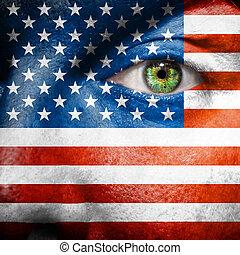 bandiera, dipinto, su, faccia, con, occhio verde, mostrare, stati uniti, sostegno