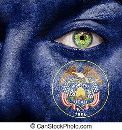 bandiera, dipinto, su, faccia, con, occhio verde, mostrare, utah, sostegno