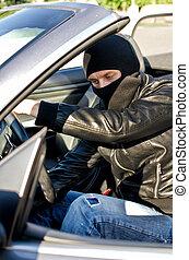 bandit, in, maskera, stöld, a, bil.