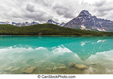 Banff National Park, Bow Lake in the Canadian Rockies,