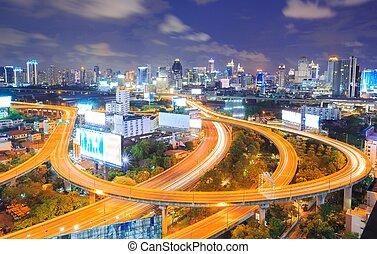 bangkok, śródmieście, sylwetka na tle nieba, w nocy