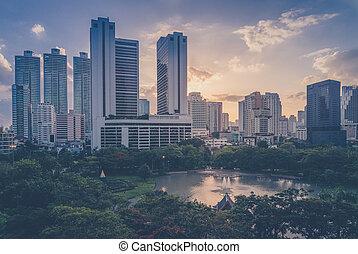 bangkok, ciudad, céntrico, por la noche
