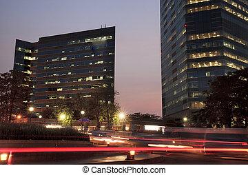 bangkok, lumières, bâtiments, rue, crépuscule