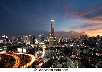 bangkok, opinión de la ciudad, por la noche