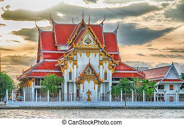 Bangkok temple and skyline - Thailand