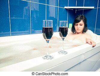 banheiro, vinho, relaxante, óculos