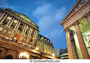 Bank of England and Royal Exchange at night.