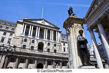 Bank of England, City of London War Memorial and the Royal Excha