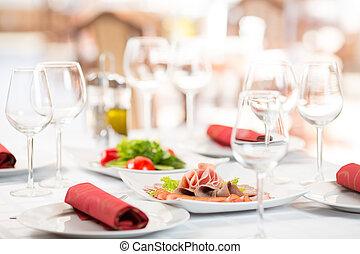 banquete, ajustando tabela, em, interior restaurante
