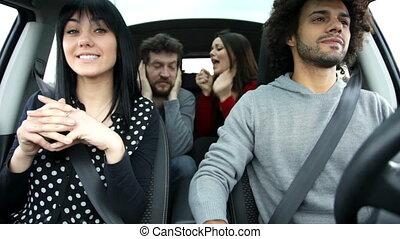 barátok, friss, éneklés, autó