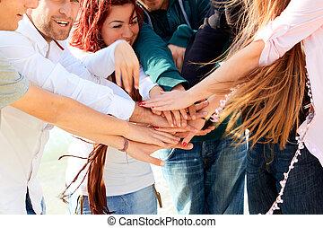 barátok, noha, kezezés együtt