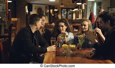 bar, cafe., ludzie, concept., nowoczesny, chatting., młody, ...