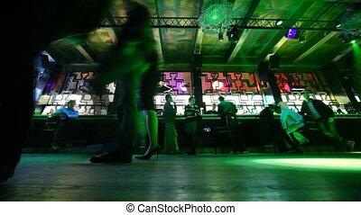 bar, odprężając, ludzie, podłoga, jakiś, nightclub, przód,...