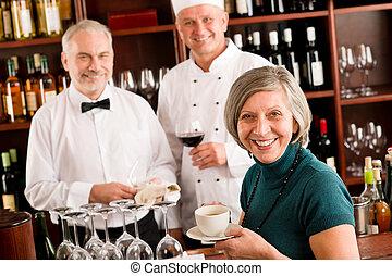 bar, restaurant, directeur, het glimlachen, wijntje, personeel