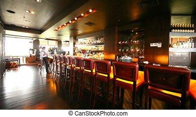 bar, stalletjes, stoelen, velen, toonbank, langs, zit, waar,...
