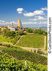 Barbaresco village and vineyards, Unesco Site, Piedmont, ...