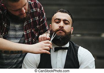 barbeações, barbeiro, homem enfrentado