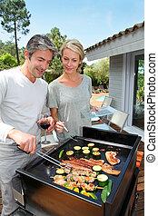 barbecue, coppia, cottura, carne, giardino