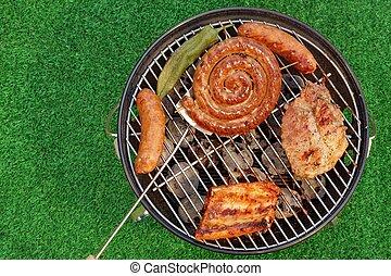 barbecue grilla, med, olika, slagen, av, kött, picknicken, utomhus, begrepp
