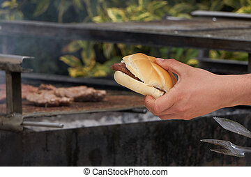 barbecue sausage in the bread