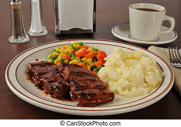 Barbecued pork and mashed potatoes - Boneless barbecued pork...
