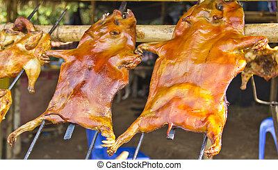 Barbecued suckling pig