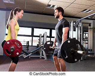 barbell, 人和婦女, 測驗, 在, 健身, 體操