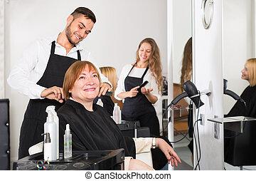 barbershop., mûr femme