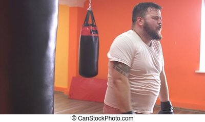 barbu, fatigué, boxe, formation, graisse, sac, gymnase, frapper, sport, homme