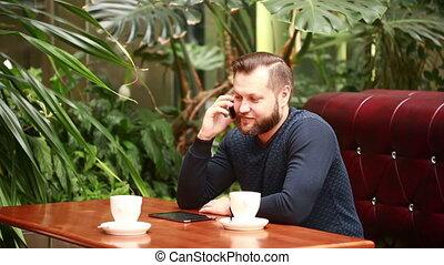 barbu, sien, conversation, café, beau, coupure, téléphone, terrasse, homme affaires, pendant, café, gaiement